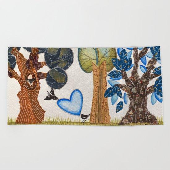 Birds in love Beach Towel