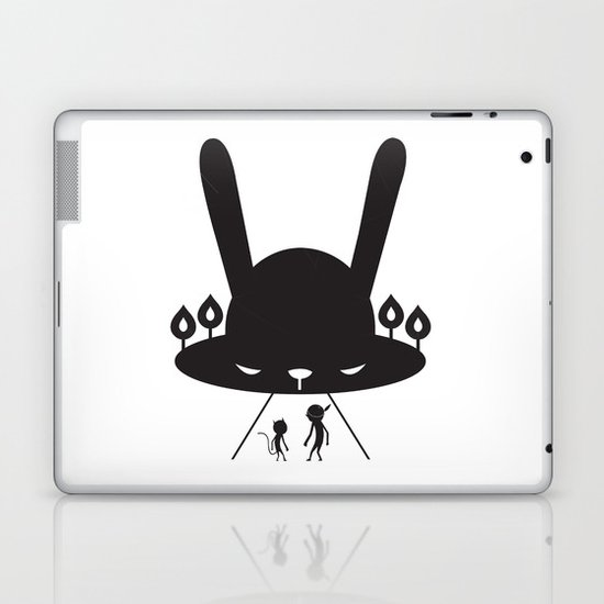 BLACK POND Laptop & iPad Skin
