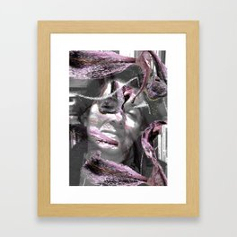 Retrato del alma con lilias Framed Art Print