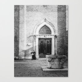 Street musician in Venice Italy Canvas Print