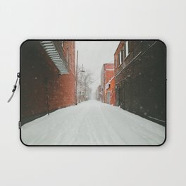 Montréal Snowstorm in alley Laptop Sleeve