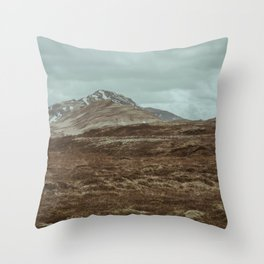 roam iceland Throw Pillow
