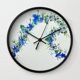 Lei curl Wall Clock