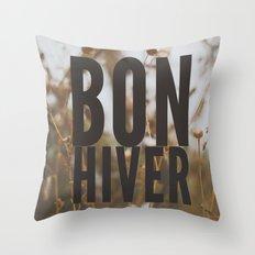 bon hiver. Throw Pillow