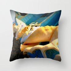 sole e azzurro Throw Pillow