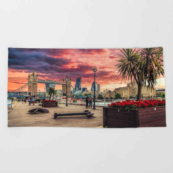 London River Side Beach Towel