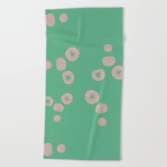 Dandelion flying aquac Beach Towel