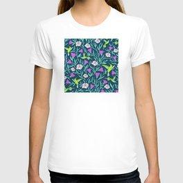 Elegant Humming Birds and Tropical Floral Print T-shirt