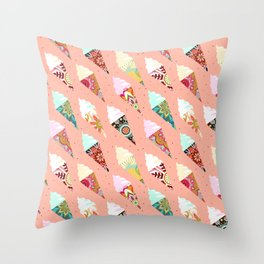 Mandala ice cream | misty rose Throw Pillow
