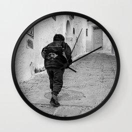 niño marruecos Wall Clock