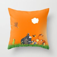 What's going on in the jungle? Kids collection Throw Pillow