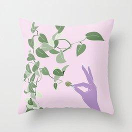 epipremnum aureum Throw Pillow