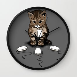 Eyes of cat Wall Clock