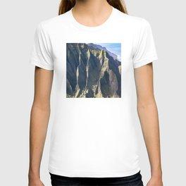 Hawaiian Magic: Angels' View Over Coastal Cliffs T-shirt