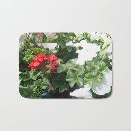 Pelargonien. Bath Mat