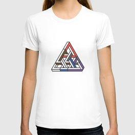 Triangular T-shirt