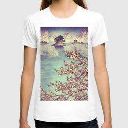 Watching Kukuyediyo T-shirt