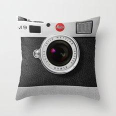 classic retro Black silver Leather vintage camera iPhone 4 4s 5 5c, ipod, ipad case Throw Pillow
