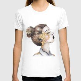 Gold Cheeks // Fashion Illustration T-shirt