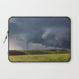 Twins - Two Tornadoes Touch Down Near Dodge City Kansas Laptop Sleeve