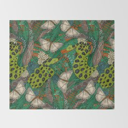 entangled forest rust Throw Blanket