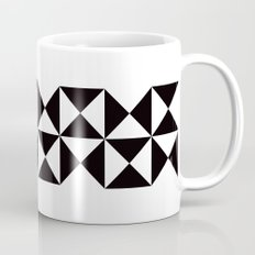 B/W triangle X4 pattern Mug