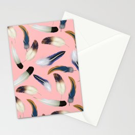 Pattern with feathers on a pink background Stationery Cards