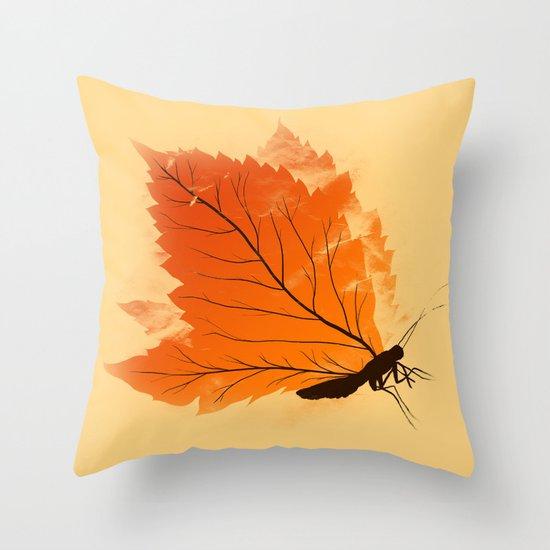 Seasons change - T-shirt Throw Pillow