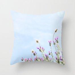 printemps in pink Throw Pillow