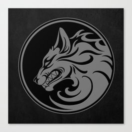 Gray and Black Growling Wolf Disc Canvas Print