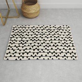 Triangles / Black & White Pattern Rug