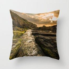 Trebarwith strand sunset Throw Pillow