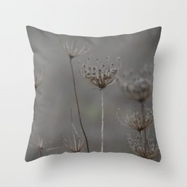 Queen's Anne's lace Throw Pillow
