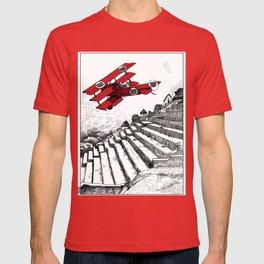 asc 114 - Le Baron Rouge & son ours Darwin (La montagne où tombent les étoiles) T-shirt