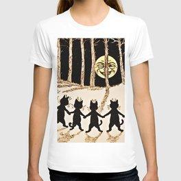 Cats & a Full Moon-Louis Wain Black Cats T-shirt