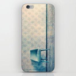 chaise I iPhone Skin
