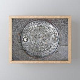 uisce celtart Framed Mini Art Print