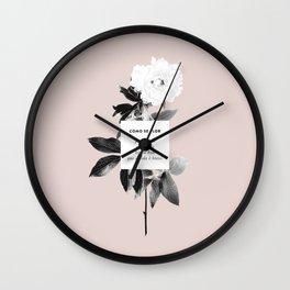 Como Se Flor Wall Clock