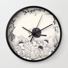 l'enfant loutre Wall Clock