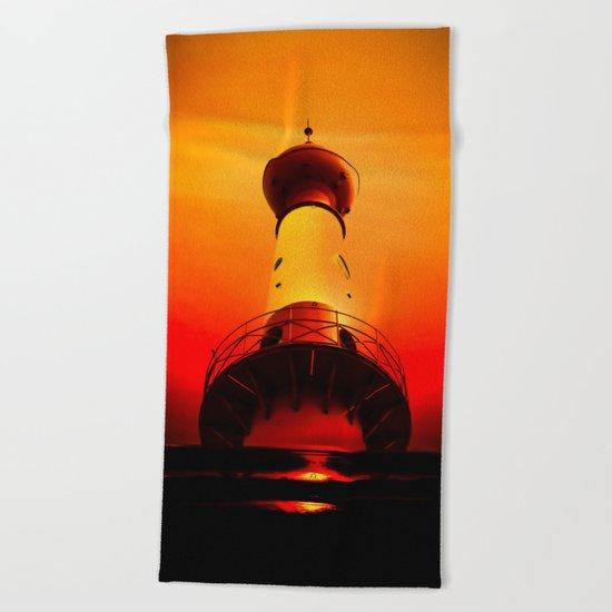 Lighthouse romance Beach Towel