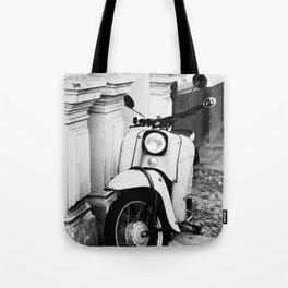 Schwalbe Tote Bag