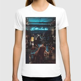 I fell in love here T-shirt