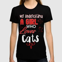 Never Underestimate A Girl Who Loves Cats T-shirt