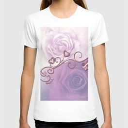 Beautiful violet roses with hearts T-shirt