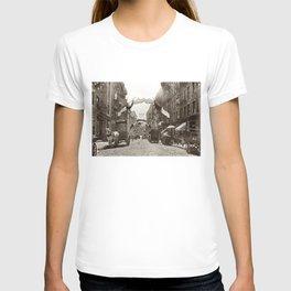 Little Italy Mott Street NYC Photograph (1908) T-shirt
