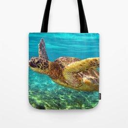 Green Sea Turtle swimming in Hawaii Tote Bag
