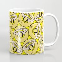 it crowd Mugs featuring THE CROWD by RUEI