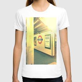 Temple station London 8 T-shirt