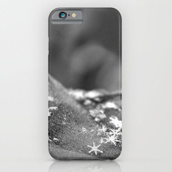 no two snowflakes are alike iPhone & iPod Case