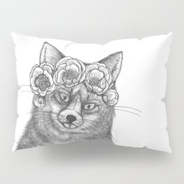vixen fox wearing a crown of peonies Pillow Sham